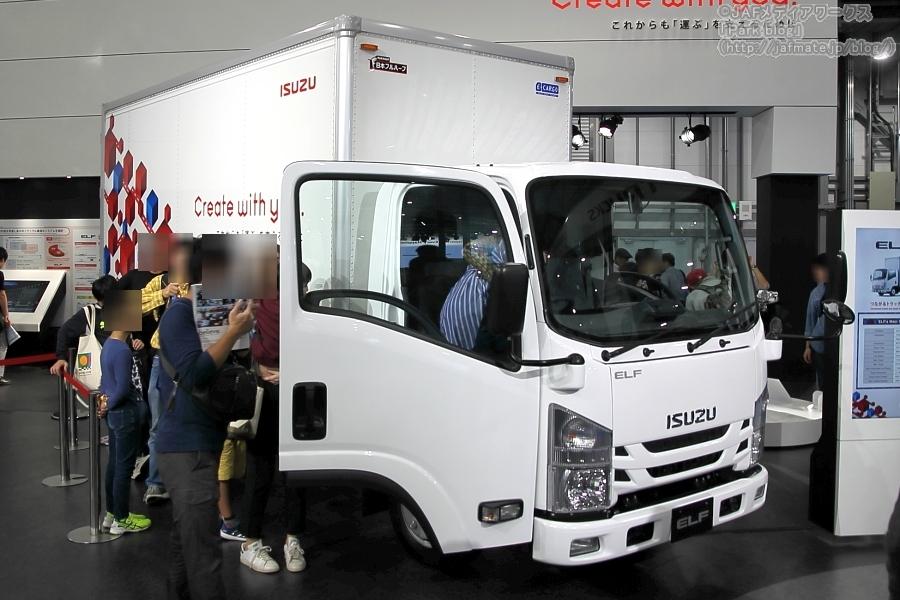 いすゞが東京モーターショー2019に出展した人気小型トラック「エルフ」。