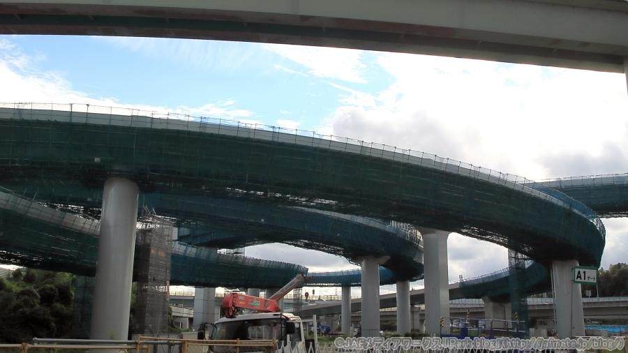 画像1。横浜青葉JCTを下から撮影。
