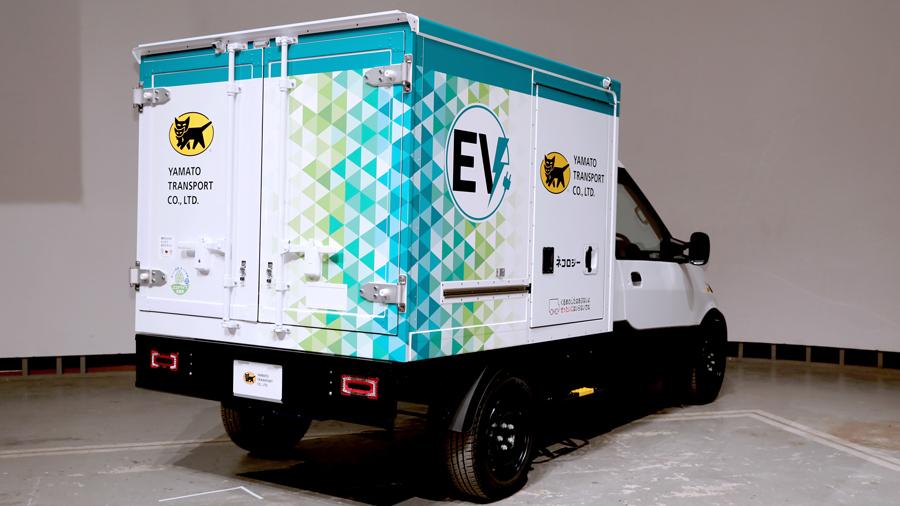 ヤマト運輸|ストリートスクーター社|小型EVトラック|後方