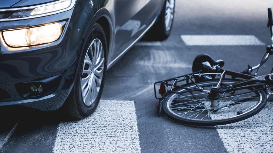右側通行は交通事故の原因になってしまう。