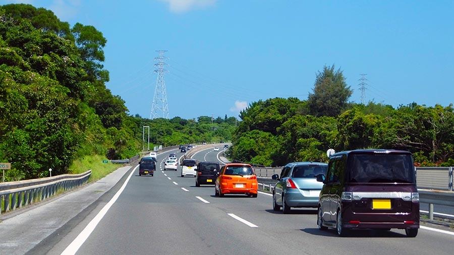 高速道路運転のイメージ
