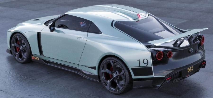 画像2。「Nissan GT-R50 by Italdesign」のリアビュー。