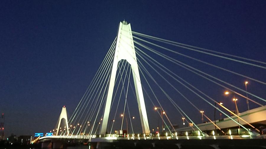 大師橋は、2019年12月24日~25日、12月31日~2020年1月3日の計6日間ライトアップされる。