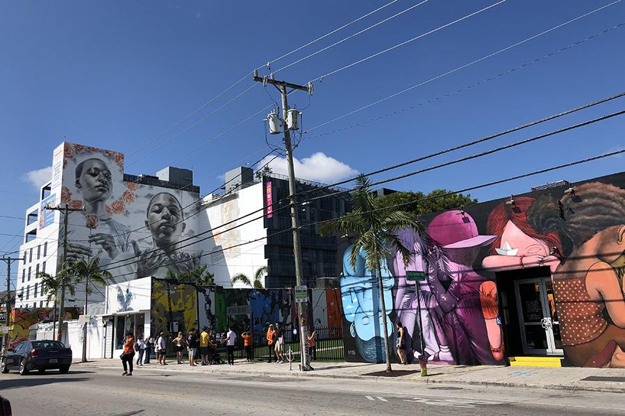 マイアミのかつての倉庫・工場街がアートを主題に再開発されている