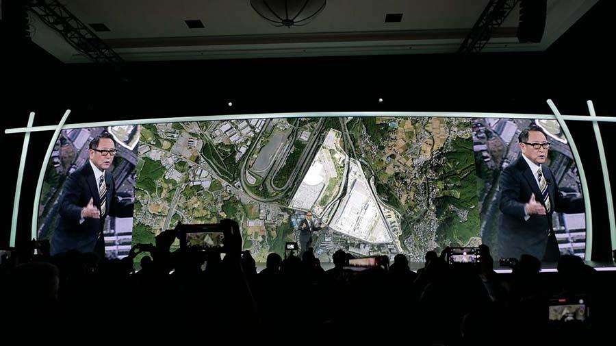 建設地はトヨタ自動車東日本の東富士工場(静岡県裾野市)跡地を利用。初期は2000名程度の住民が暮らすことを想定し、将来的には約70.8万平方メートル にまで拡張する