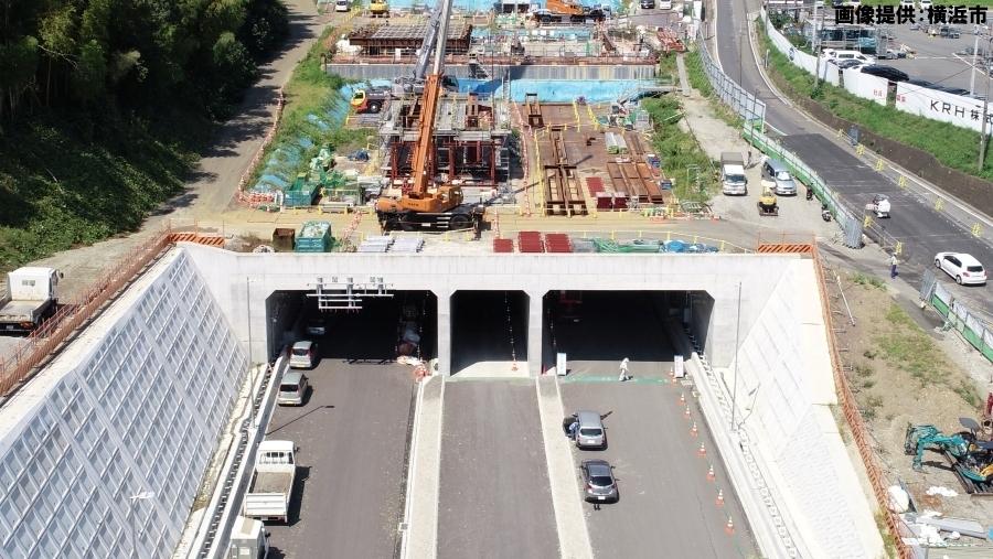 画像5。首都高・神奈川7号横浜北西線の横浜港北IC・JCT側の出入口。ドローンで撮影された。