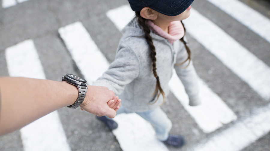 子ども目線で一緒に歩いて、交通ルールを教えてあげたい。