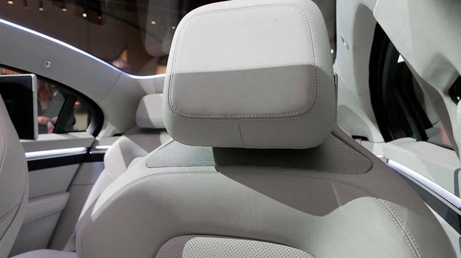 前2席にはヘッドレストの下の部分に「360 REALITY AUDIO」を組み込み、没入間あふれるサウンドを再現する