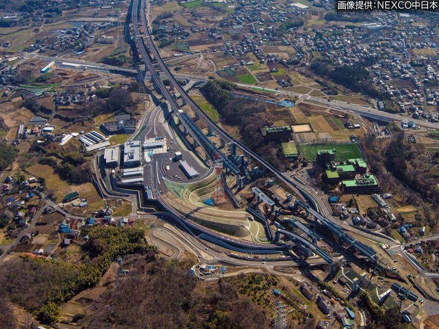 画像7。3月7日(土)に開通する、E1A新東名高速の伊勢原JCT~伊勢原大山IC間。北側から撮影された伊勢原大山IC。