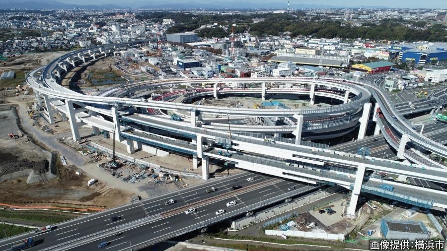 画像1。横浜港北IC・JCT。2019年11月にドローンから撮影されたもの。