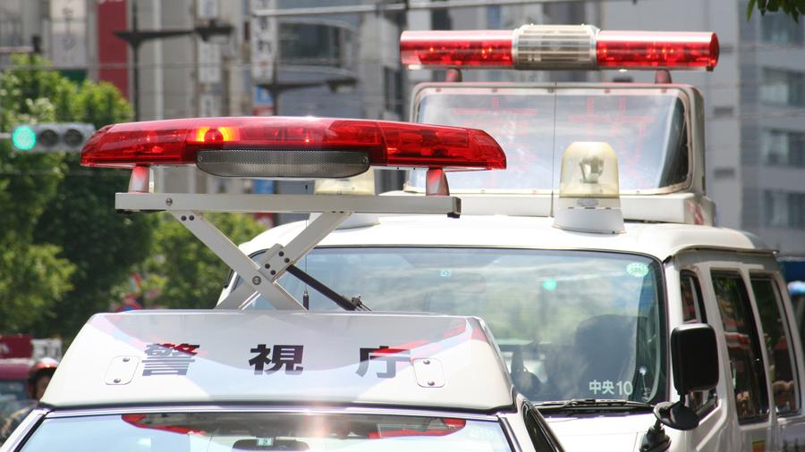 2019 交通事故 死者数 歩行者 横断違反 パトカーのイメージ