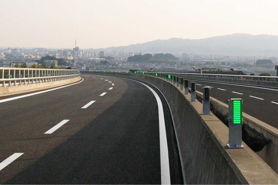 ハイウェイテクノフェア2019|名古屋電機|新東名高速・清水JCT付近に設置された常設型「BLINKs」