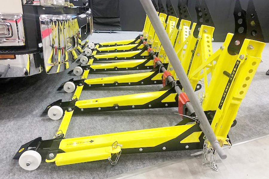 テロ防御用可搬式車両停止装置|MVB-3X|車両突入防止|危機管理産業展での展示(横)