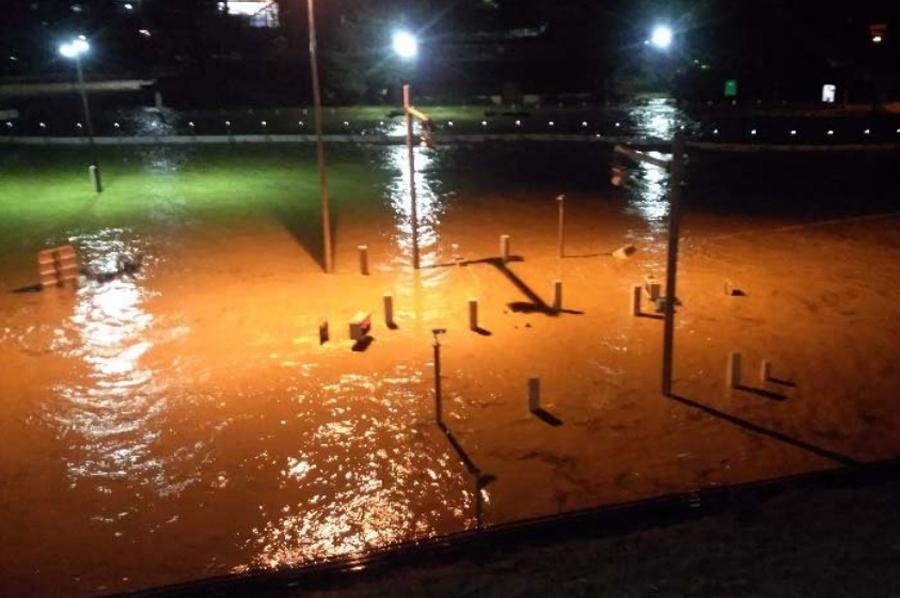 台風19号による高速道路の通行止め|小布施スマートICの浸水被害状況