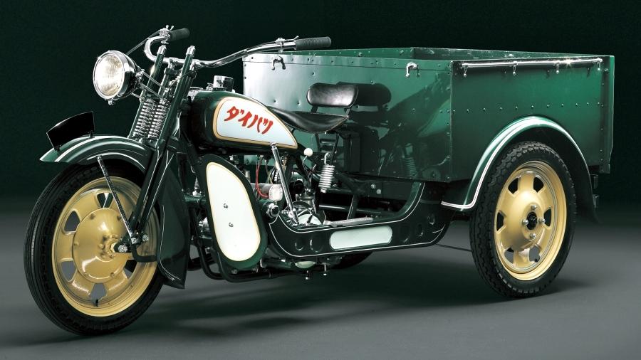 画像1。ダイハツが1932年に発売した三輪車「HD型ツバサ号」。