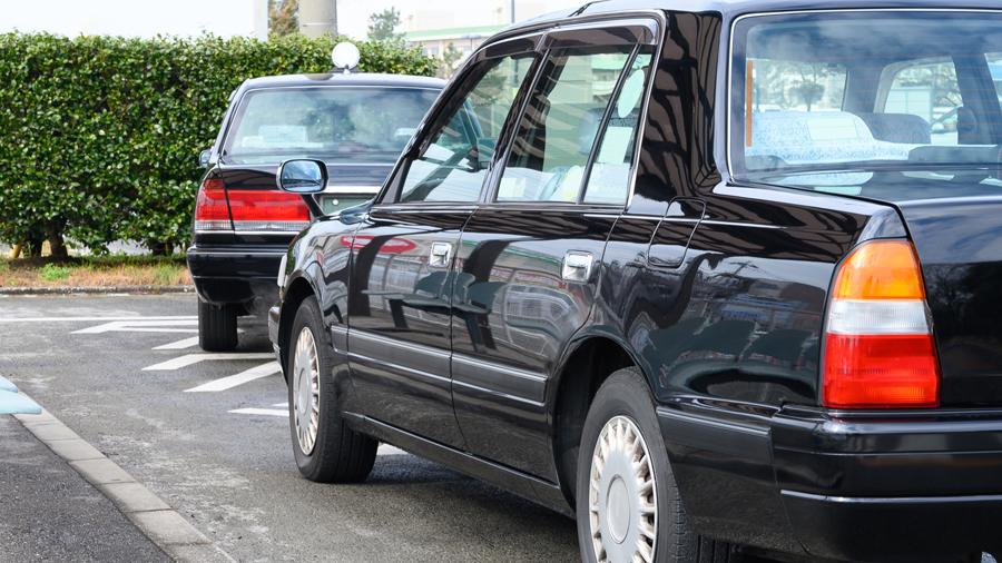 タクシー|フェンダーミラー|ミラー|理由|なぜ|タクシー乗り場のイメージ