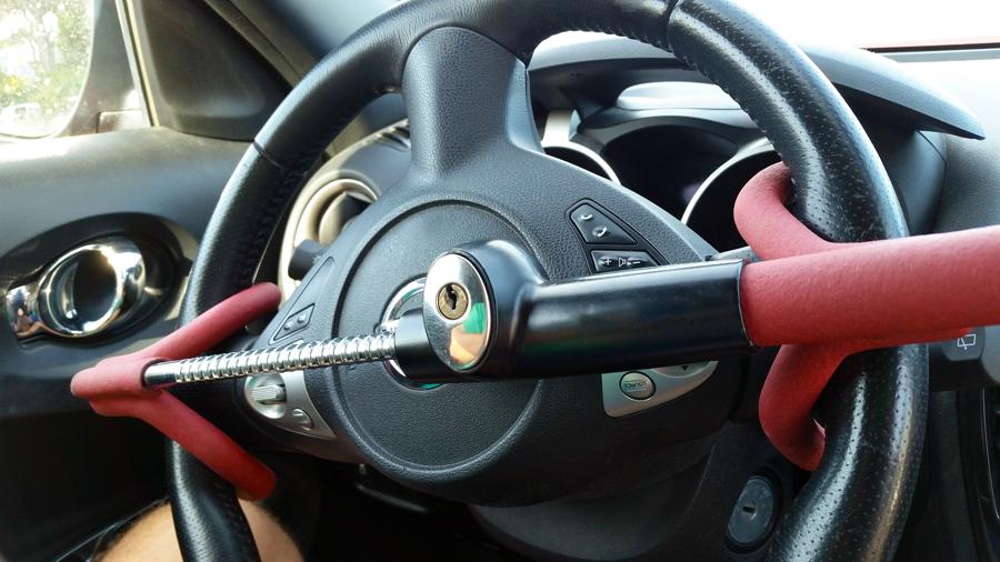 自動車盗難|盗難件数|自動車盗難事故実態調査|ハンドルロック