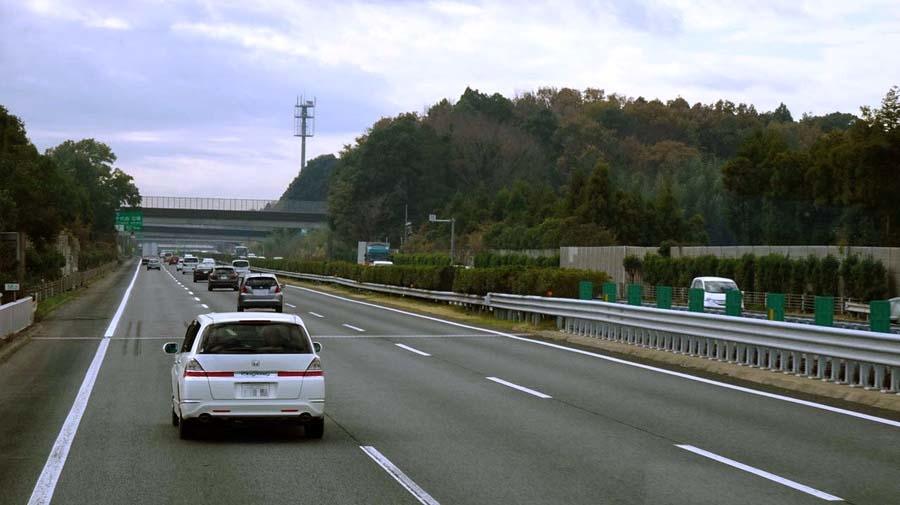 高速道路には「高速自動車国道」と「自動車専用道路」の2種類がある。