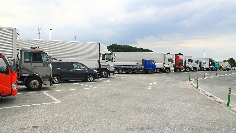 大型車用の駐車マスのイメージ。