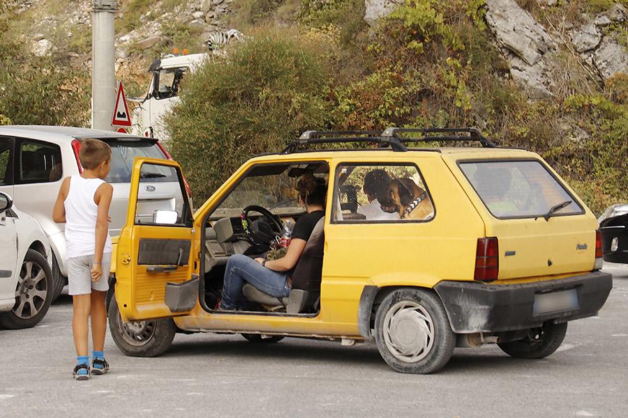 まもなく夏本番。イタリアでも海へ山へと車移動が多くなる季節だ。