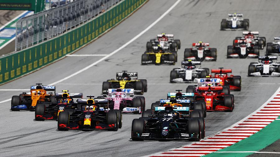 F1の開幕戦オーストラリアGPのスタート。