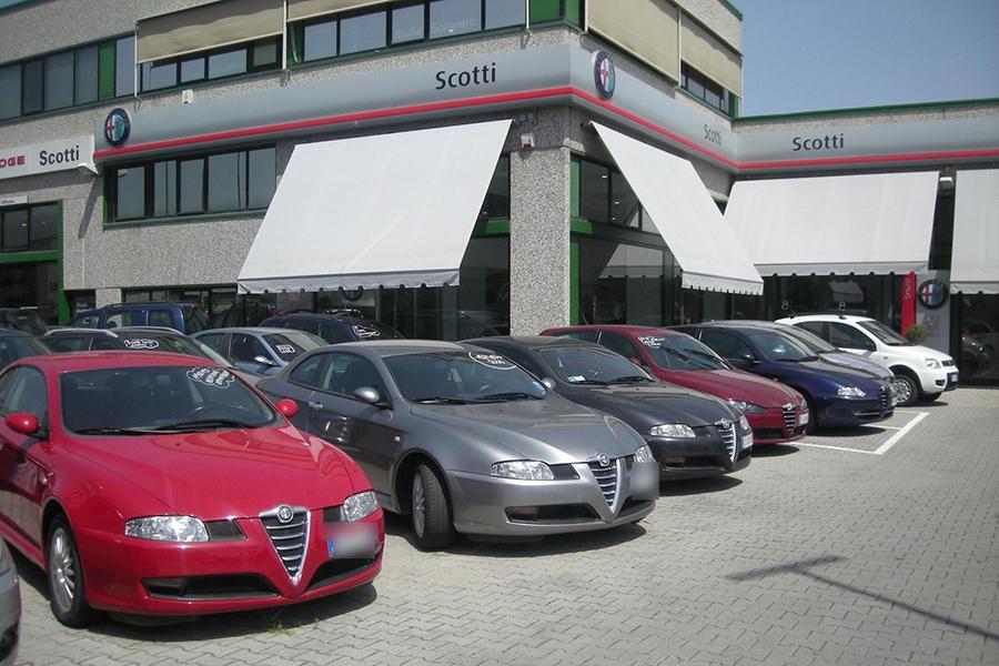 2008年のアルファ・ロメオ販売店の風景。当時同ブランドは、シーケンシャルAT「セレスピード」をカタログに載せていたものの、実際の店頭に並ぶ中古車にはほとんどなかった。