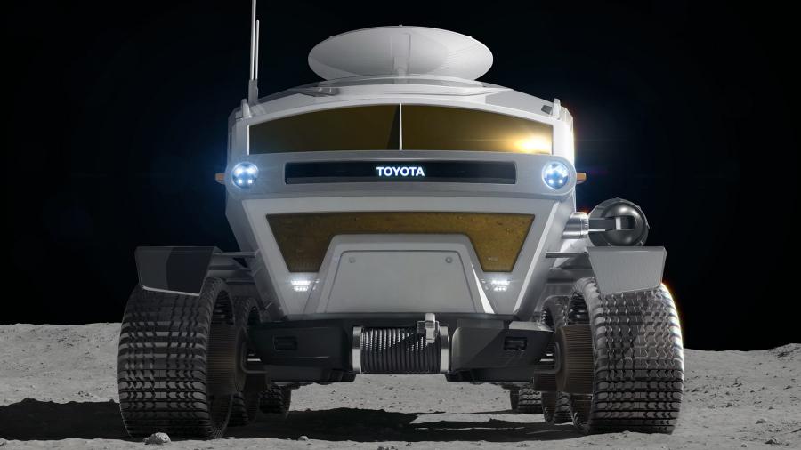 JAXA×トヨタで開発中の月面探査車(有人与圧ローバ)「ルナ・クルーザー」を正面から。
