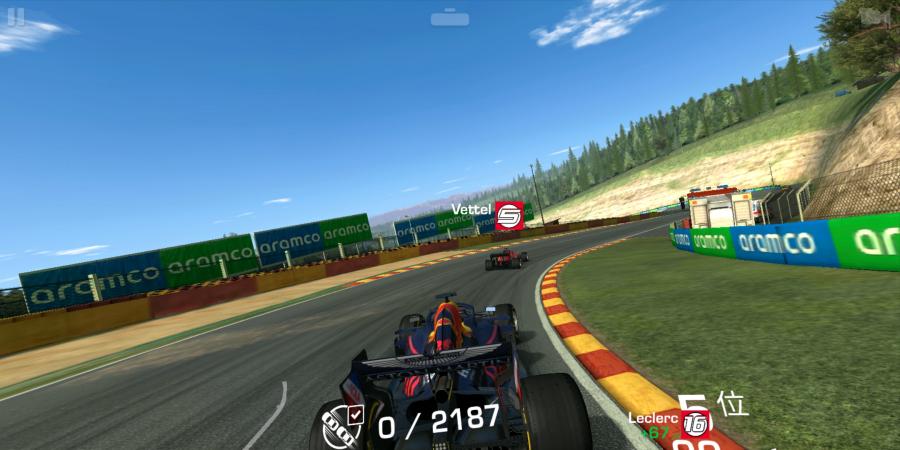 F1など、サーキットでのレースを題材にしたリアル系レーシングゲーム「REAL RACING 3」(エレクトロニック・アーツ)。難易度は高め。(c) 2020 Electronic Arts Inc. All rights reserved.