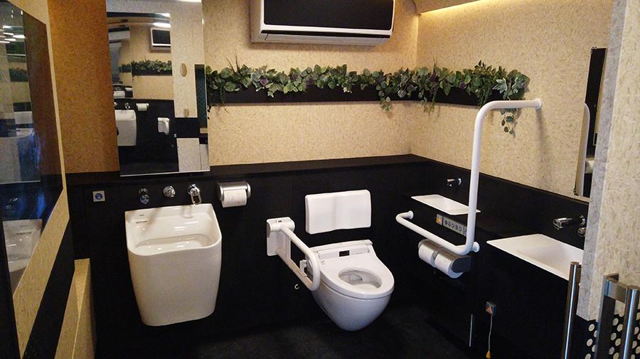 モバイルトイレの個室