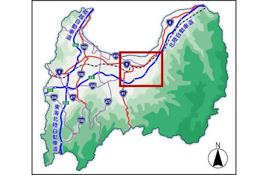 富山県の広域拡大図。12月13日開通のE8北陸道の上市スマートICのあるのが赤枠のエリア。