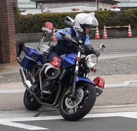 大阪府警察の大阪ブルースカイ隊の青バイ