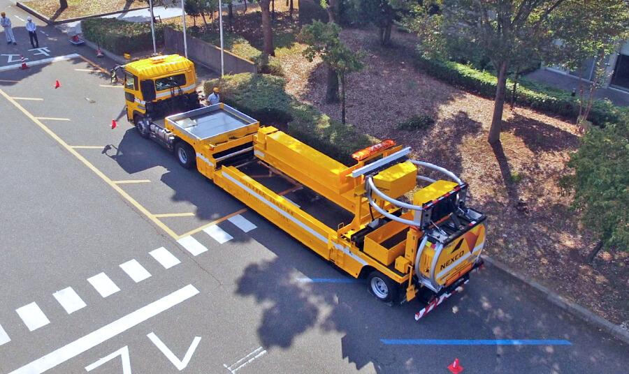 NEXCO中日本の「ハイウェイ・トランスフォーマー」の走行時の状態を上方から。画像提供:NEXCO中日本