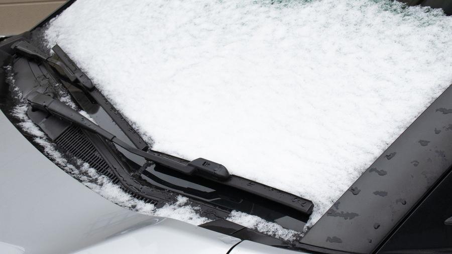 寒冷地仕様車には、積雪や凍結からクルマを守るための装備が搭載されている。