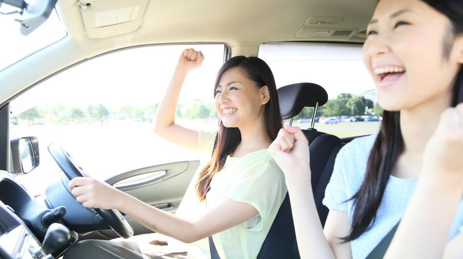 渋滞中や長時間のドライブなど、車内の退屈な時間には手軽に楽しめるアナログゲームがおすすめだ。