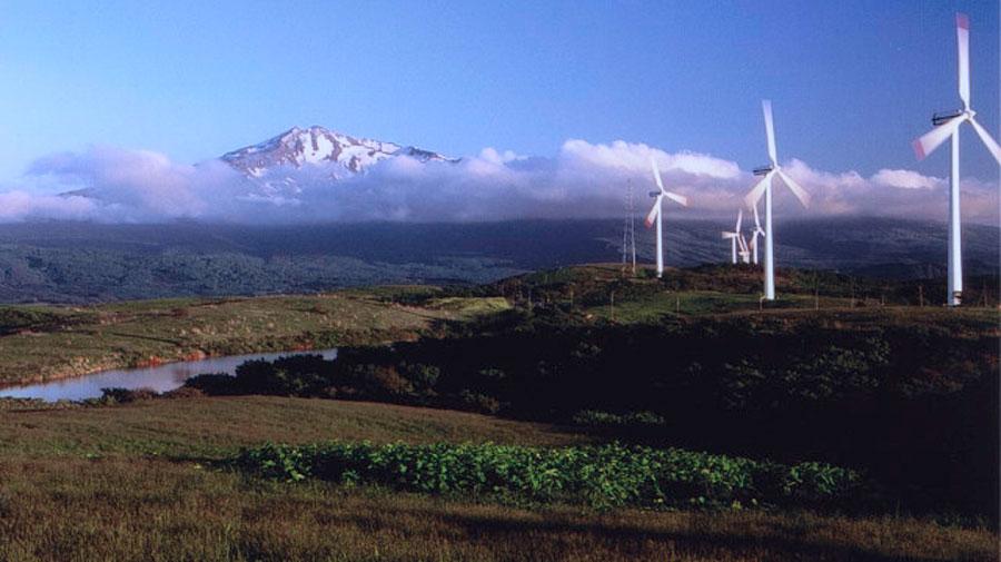 地方移住 秋田県 にかほ市 Aターン 鳥海山 仁賀保高原と風車