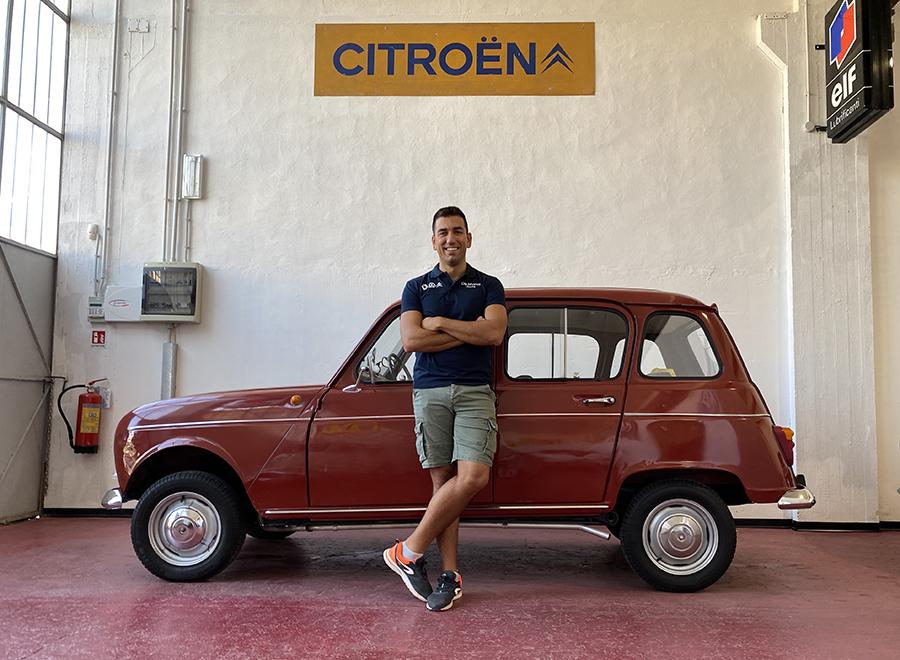 マッシモ・デ・マルコさんは、古いシトロエンやルノー用パーツの専門家。