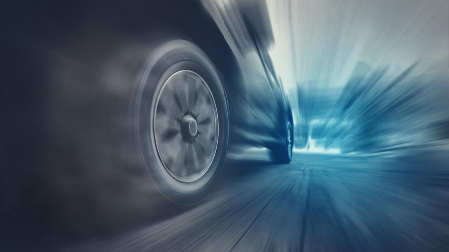 警察庁が発表した「交通事故の発生状況等について」では、速度超過による死亡事故のリスクの高さが依然として高いことが明らかとなった。