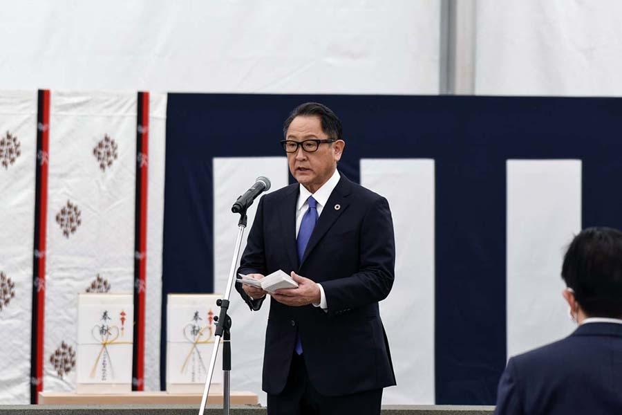 地鎮祭で挨拶するトヨタ自動車の豊田章男社長