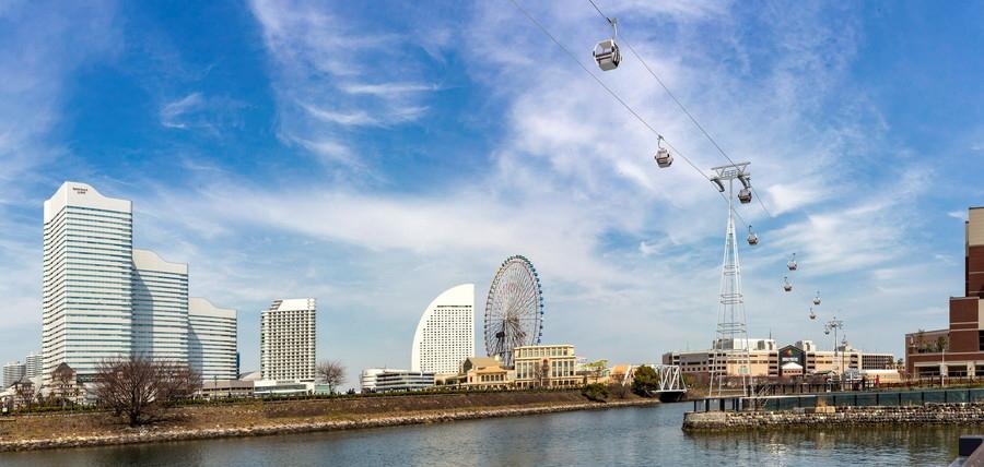 日本初の常設都市型ロープウェイ「YOKOHAMA AIR CABIN」が、2021年4月22日に運行開始した。