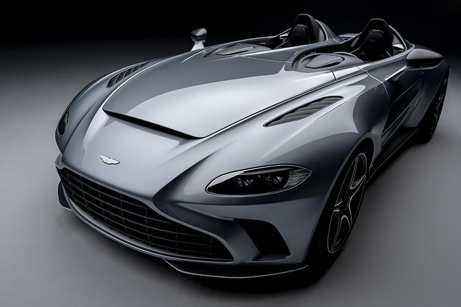アストンマーティン V12スピードスター Aston Martin V12 Speedster
