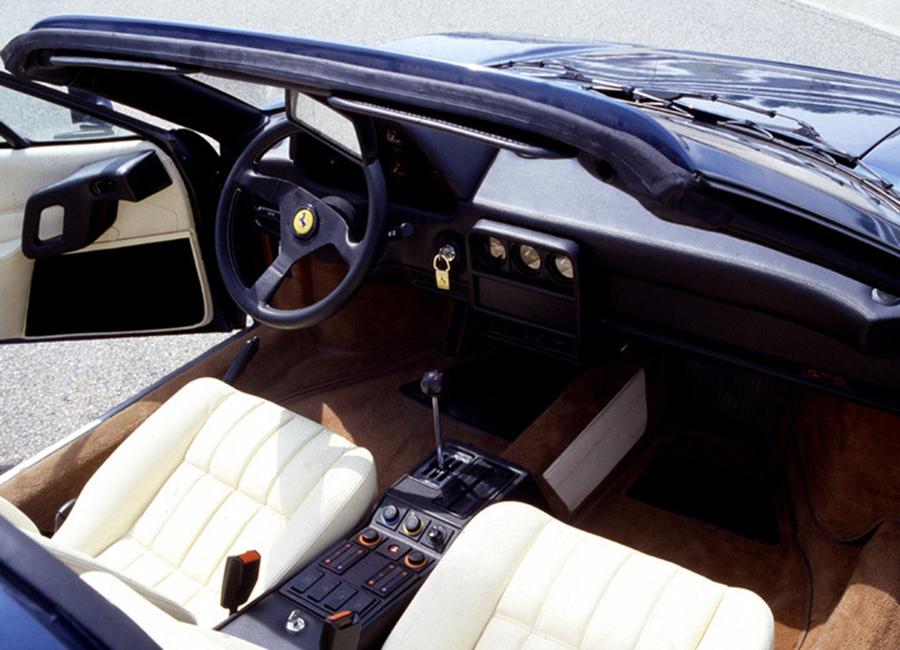 フェラーリ 328GTB