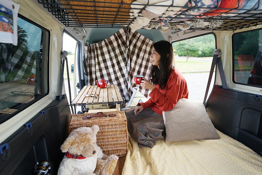 快適な車中泊にはベッド作りが最優先! DIYで車内をフラットにしました|森 風美のただいま軽バン改造中 vol.3