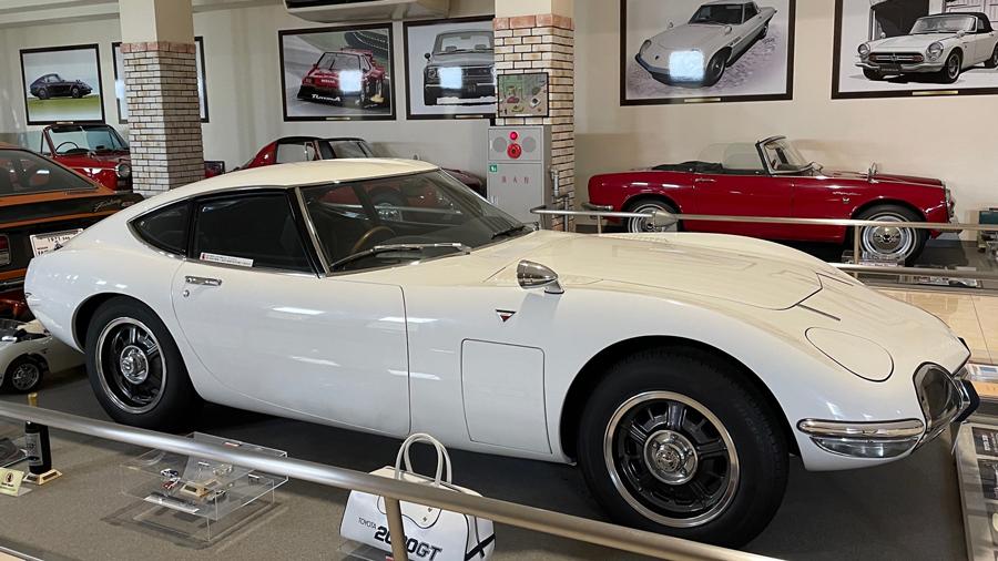 1960年代|自動車博物館|クラシックカー|伊香保おもちゃと人形自動車博物館|トヨタ・2000GT|サイド