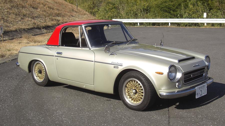 1960年代|自動車博物館|クラシックカー|九州自動車歴史館|ダットサン・フェアレディ2000|サイド