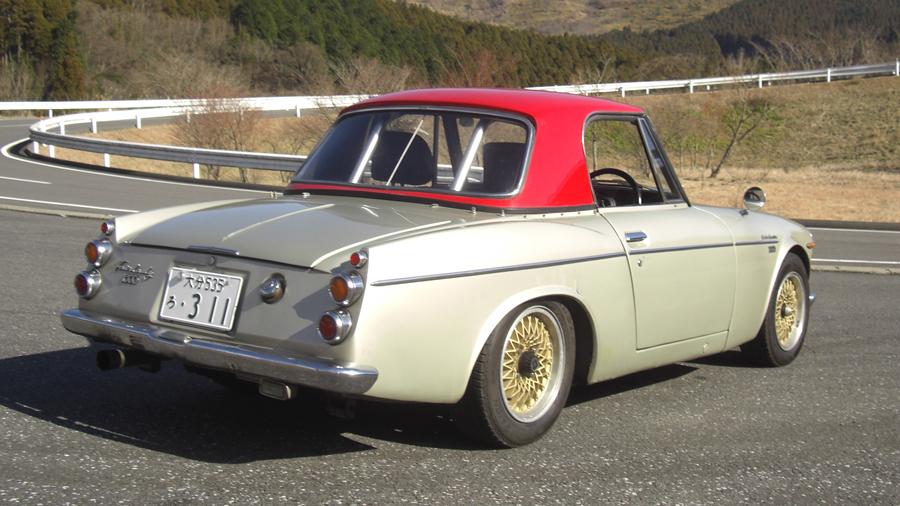 1960年代|自動車博物館|クラシックカー|九州自動車歴史館|ダットサン・フェアレディ2000|リア