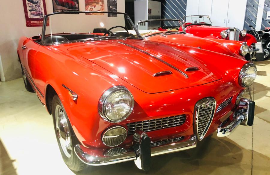 1960年代|自動車博物館|クラシックカー|那須クラシックカー博物館|アルファロメオ・2000スパイダー|斜め前2