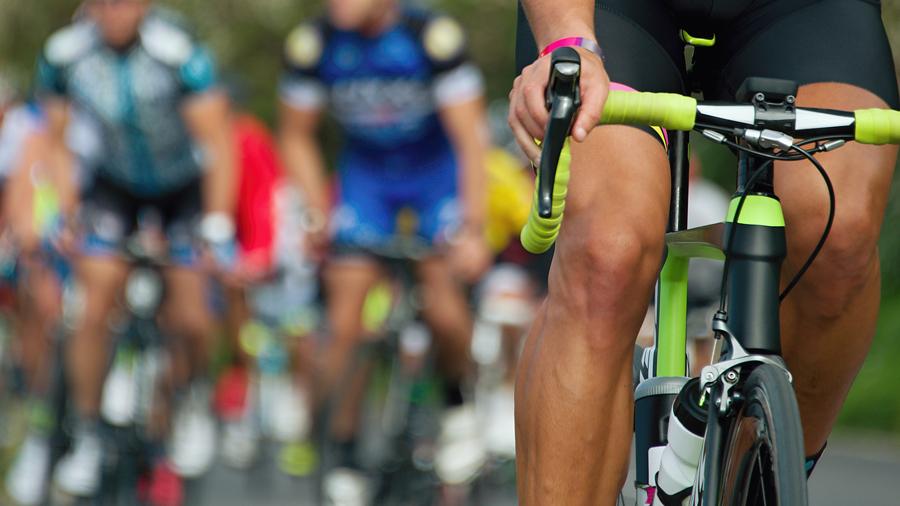 東京オリンピック・パラリンピック トライアスロン 混合リレー 交通規制 トライアスロンのイメージ写真