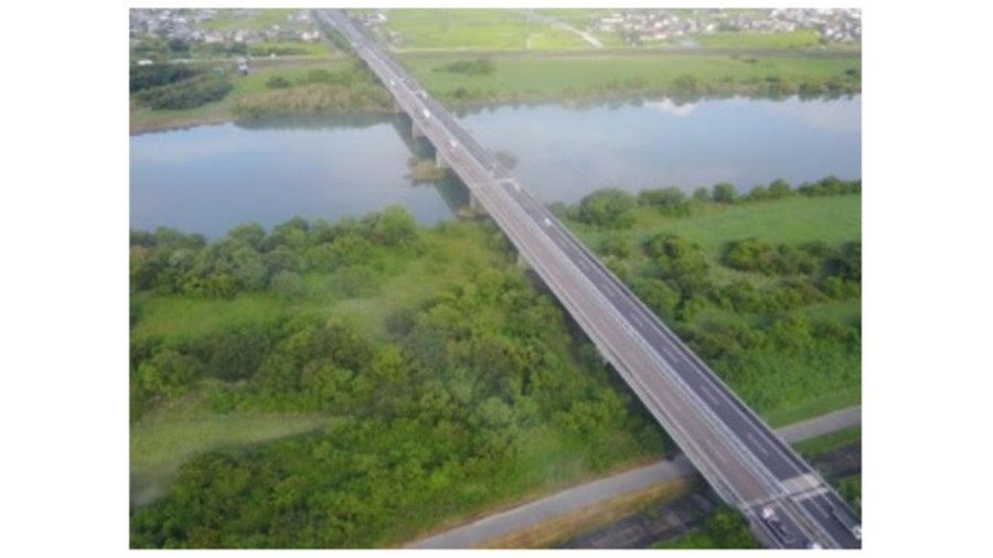 2021年8月下旬~2026年3月頃までリニューアル工事が実施される長良川橋