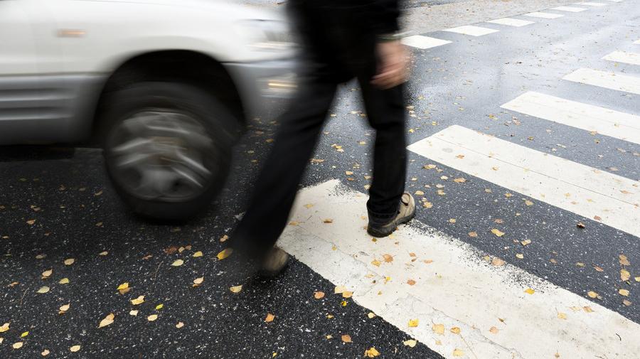交差点での交通事故イメージ