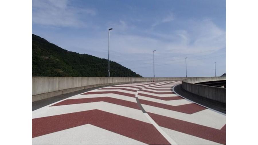 開通した市原天津小湊線「清澄山道ループ橋」の様子